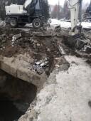 Специалисты Водоканала обнаружили место разрушения трубопровода подводящего коллектора, работы на месте аварии продолжаются