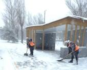 Снегопад в Волгодонске: на уборку городских улиц от снега вышло 27 единиц техники