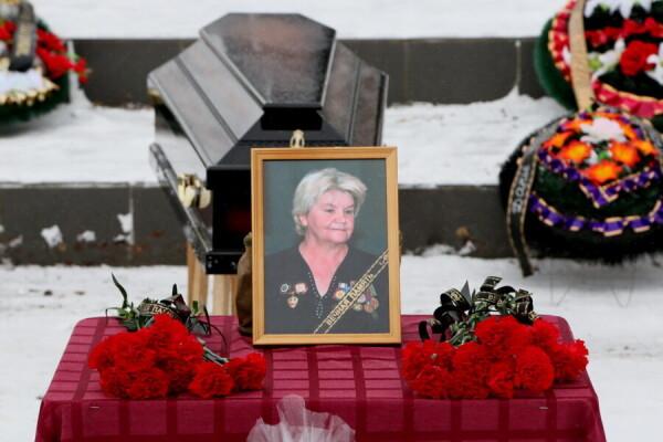 «Она действительно была солдатской матерью»: Волгодонск простился с Дарьей Дробышевой