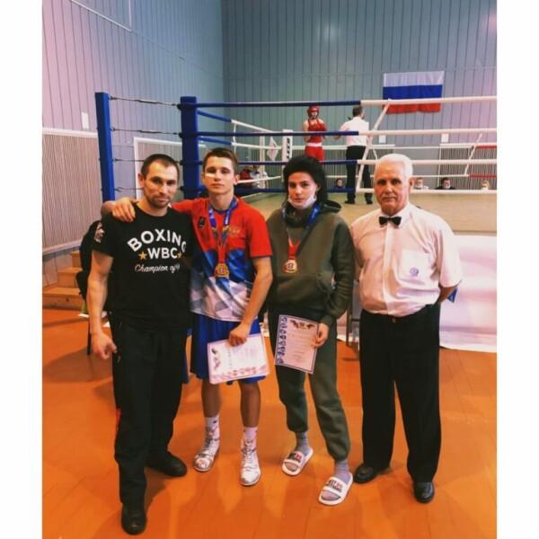 Волгодонские спортсмены достойно выступили на первенстве Ростовской области по боксу