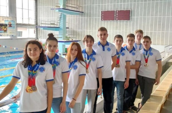 Волгодонские пловцы отлично выступили на чемпионате и первенстве Ростовской области по плаванию