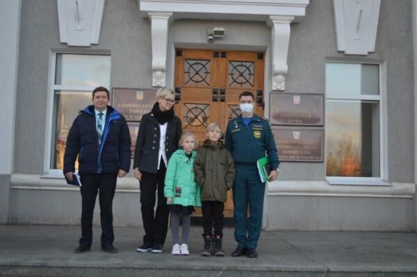 yunogo-geroya-iz-volgodonska-leonida-brykalova-nagradili-medalyu-mchs-rossii-za-sodruzhestvo-vo-imya-spaseniya_1612451417435327772__800x800