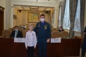 Юного героя из Волгодонска Леонида Брыкалова наградили медалью МЧС России «За Содружество во имя спасения»