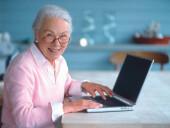 «Онлайн бабушка»: центр социального обслуживания №1 открыл уникальную онлайн-площадку для людей старшего поколения