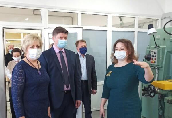 В Волгодонском техникуме металлообработки и машиностроения по нацпроекту «Образование» оснастили 5 современных мастерских