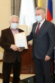 Виктор Мельников поздравил с юбилеем известного волгодонского тренера Владимира Гаджамуру