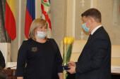 На внеочередной Думе депутаты приняли изменения в бюджете и поздравили коллегу с новым назначением