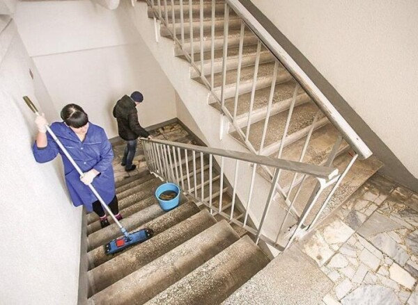 В Ростовской области подъезды в домах теперь будут мыть ежедневно