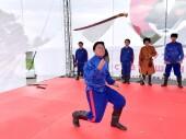Руководитель клуба «Атаман» Алексей Неополькин продемонстрировал «рубку» и фланкировку первом международном семинаре казачьих боевых искусств