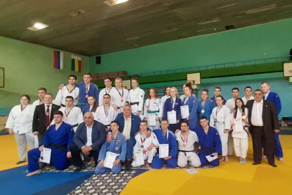 Волгодонские дзюдоисты заняли призовые места на открытом турнире и чемпионат Ростовской области по дзюдо в Гуково