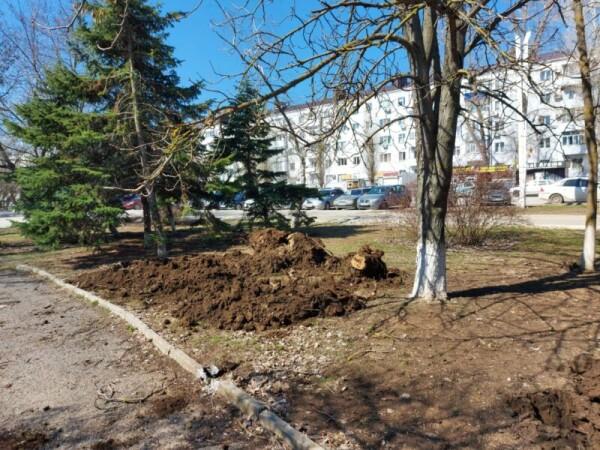 Виктор Мельников проверил как убирают город после зимы