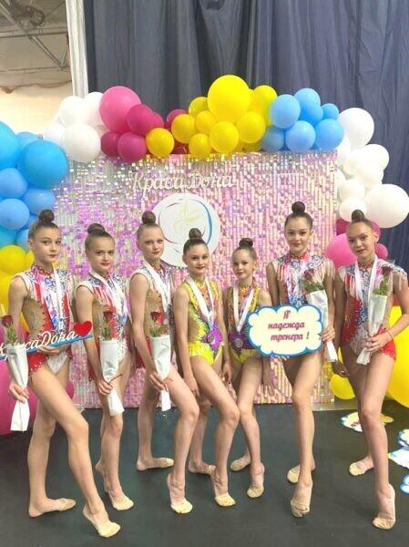 В открытом первенстве Волгодонска по художественной гимнастике «Краса Дона» приняли участие 400 спортсменок