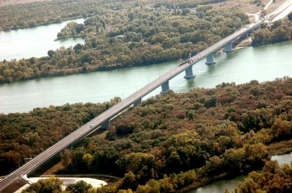 Дорожники завершают ремонт участка мостового перехода между Цимлянском и Волгодонском