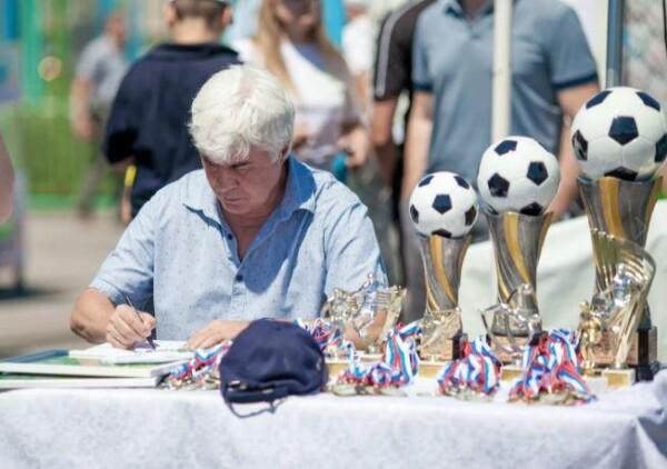 Жителей Волгодонска приглашают посетить турнир «На приз лучшего футболиста СССР 1972 года Евгения Ловчева»