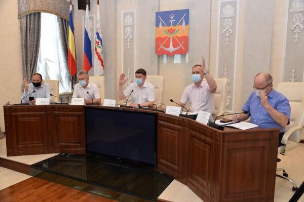 Депутаты единогласно проголосовали за присвоение «Почетного гражданина Волгодонска» штукатуру ударных строек Людмиле Рудь