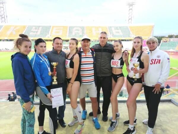 Волгодонские спортсменки показали высокие результаты на соревнованиях по легкой атлетике в Краснодаре
