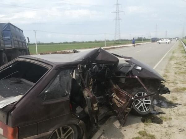 На трассе Волгодонск-Дубовское столкнулись четыре автомобиля: пострадал водитель