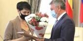 Виктор Мельников поздравил социальных работников Волгодонска с профессиональным праздником