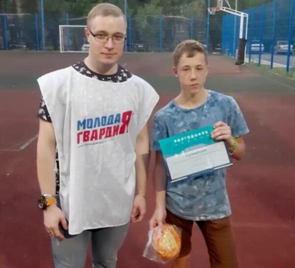 Победила дружба: состоялся футбольный матч между командами подростков и сотрудниками правоохранительных органов
