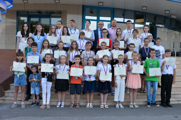 Ростовская АЭС наградила 128 волгодонских отличников