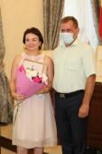 Накануне профессионального праздника: в администрации Волгодонска наградили специалистов торговли и общепита