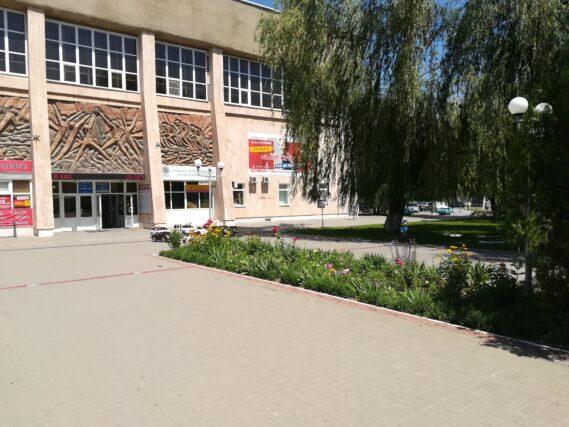 Сделаем вместе! Спортивная общественность Волгодонска предлагает в качестве проекта инициативного бюджетирования капитально отремонтировать кровлю и ливневую канализацию здания спорткомплекса «Олимп»