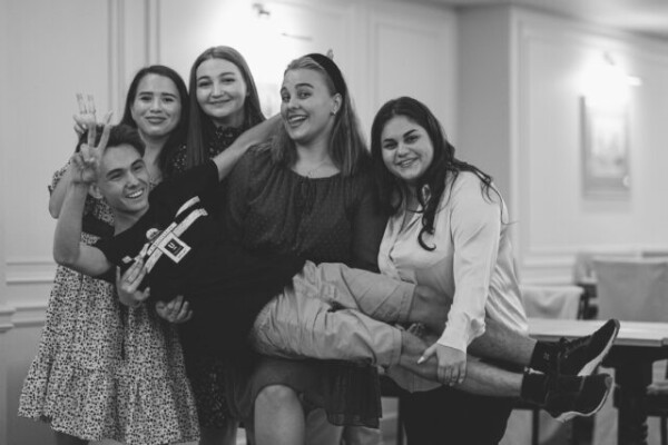 Восемь волгодонских школьников принимают участие в Литературной смене для победителей III Международного конкурса «Атомный Пегасик»