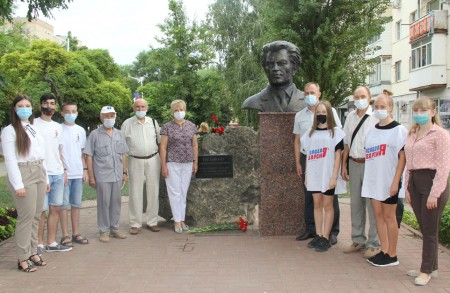 Волгодонцы вспоминали 82-ю годовщину со Дня рождения Александра Тягливого