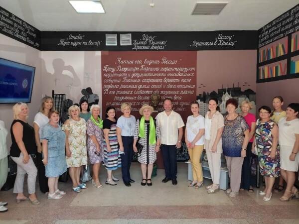 В библиотеке №9 состоялась встреча внука Михаила Шолохова с творческой интеллигенцией Волгодонска