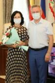 Виктор Мельников вручил награды за вклад в развитие города