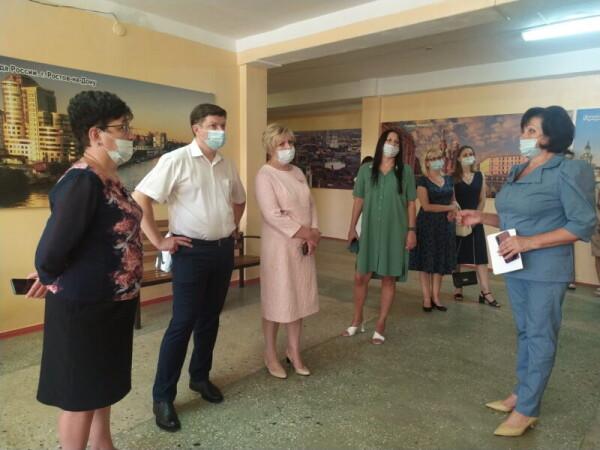 В Волгодонске стартовала «Родительская приемка» школ к новому учебному году