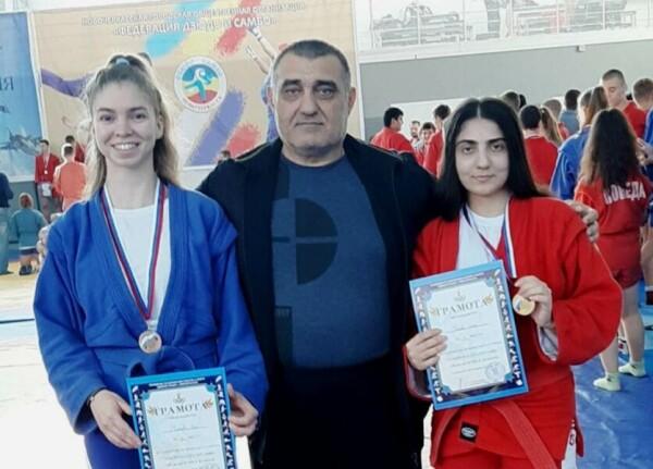 Волгодонские самбистки заняли призовые места на городском чемпионате по самбо в Новочеркасске
