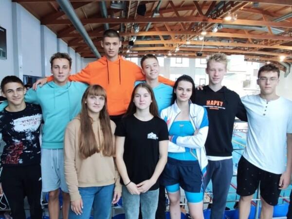 Волгодонские спортсмены успешно выступили на чемпионате и первенстве ЮФО по плаванию в Астрахани