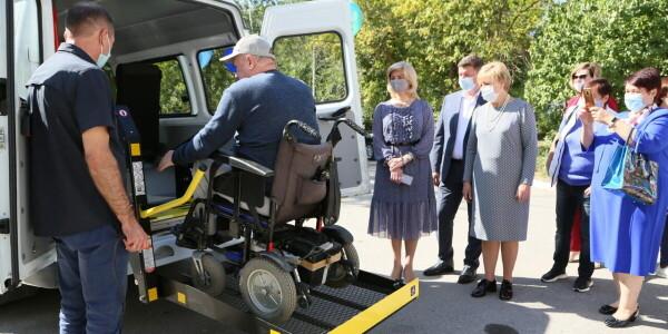 Служба социального такси Волгодонска получила новую машину
