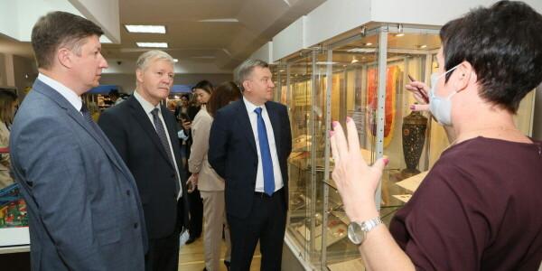 В музее открылась выставка, посвященная 45-летию Атоммаша