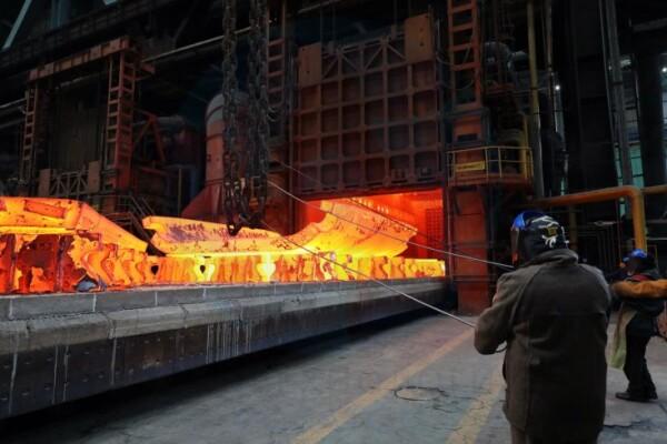 В Волгодонском филиале «АЭМ-технологии»  состоялась технологически сложная операция разгибки трубной заготовки для создания днища атомного реактора для энергоблока №3 АЭС «Аккую», строящейся в Турции первой атомной электростанции