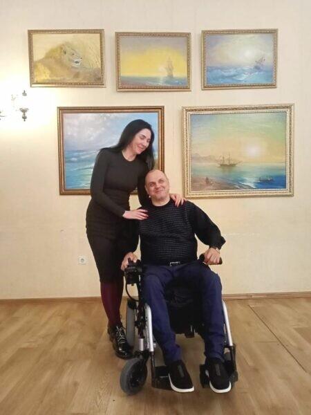 «Искусство побеждать»: в ростовском городском Доме творчества открылась выставка художника Александра Дорофеева