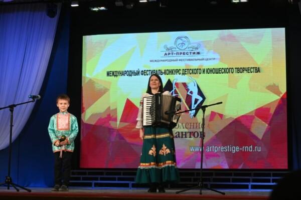 За сохранение лучших традиций: о поддержке мастеров народной культуры Волгодонска
